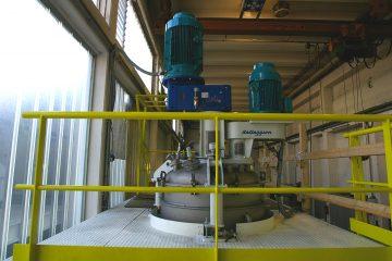 Disolutor con una capacidad de 3000 litros, con un sistema de dosificación automática de líquidos y sólidos GPA SAS Colombia Mezcladores Plantas de producción Valtorta Mixer Italia Plásticos PVC